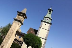 Pranger mit dem Glockenturm